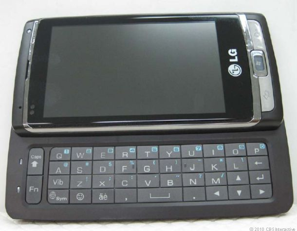 LG_Windows_Phone_7_with_keyboard