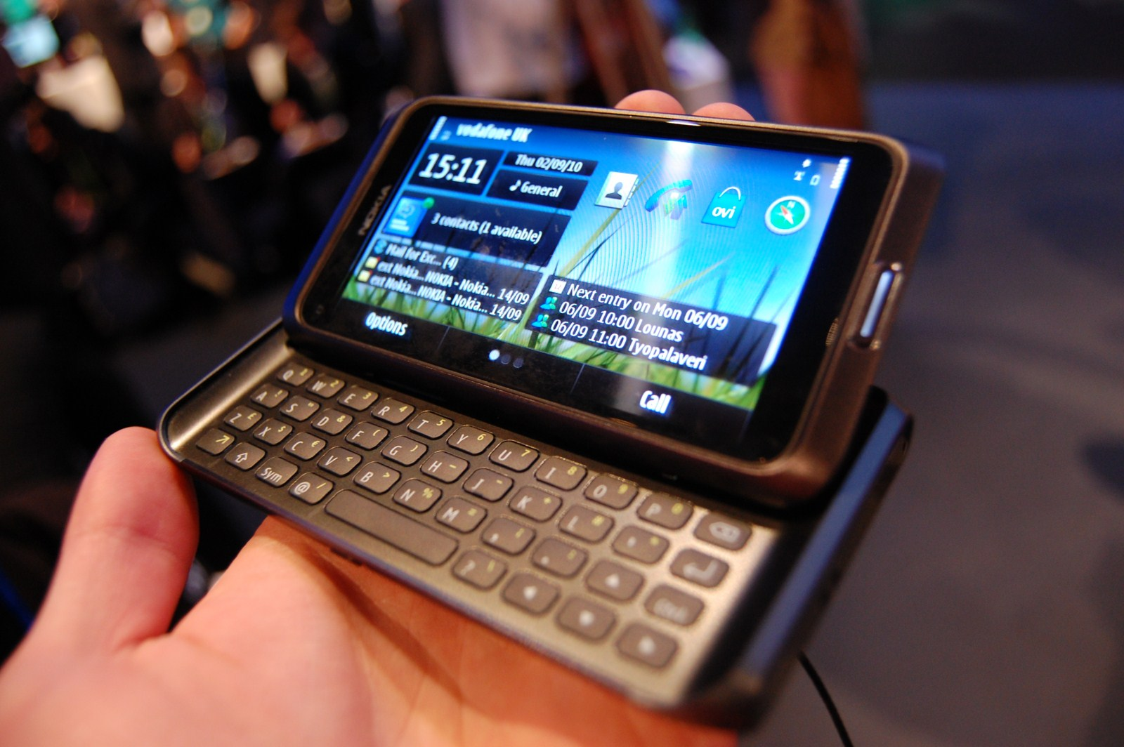 nokia-e7-communicator-02
