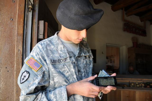 us-army-tests-smartphones-sgt-willie-lebeouf-evaluation-task-force