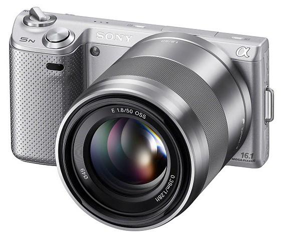 NEX-5N_silver_front_SEL50F18_1