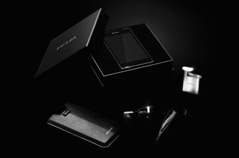 PRADA Phone by LG 04