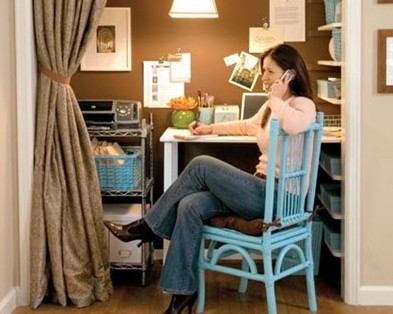 idea_3_4_1276121768.4388_closet-home-office-thumb