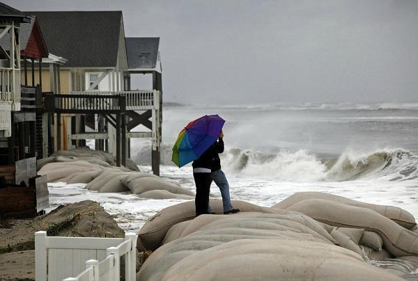 1028-hurricane-sandy-liveblog-one.jpg_full_600