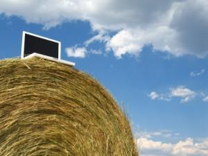 1650102861_rural_broadband_laptop_haybale_stockimage_300x0_xlarge