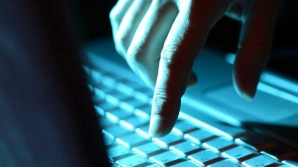 gty_hacker_computer_keypad_thg_121003_wmain