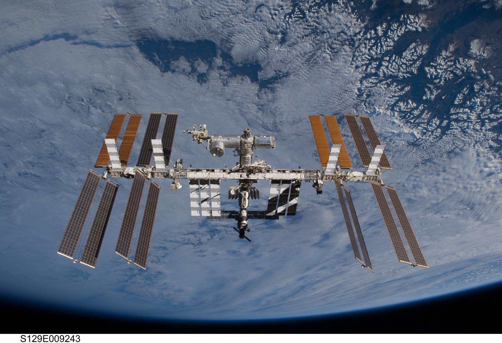 voc_space_iss_1_pic_iss_earth_2009