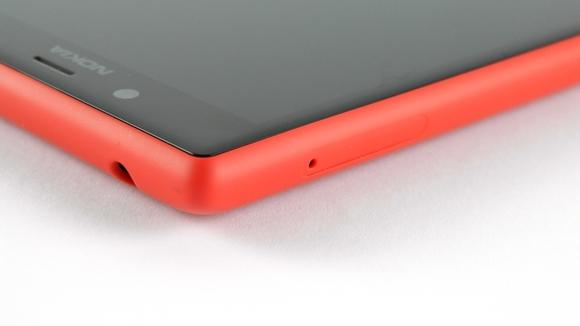 Lumia720-HandsOn-08-580-100