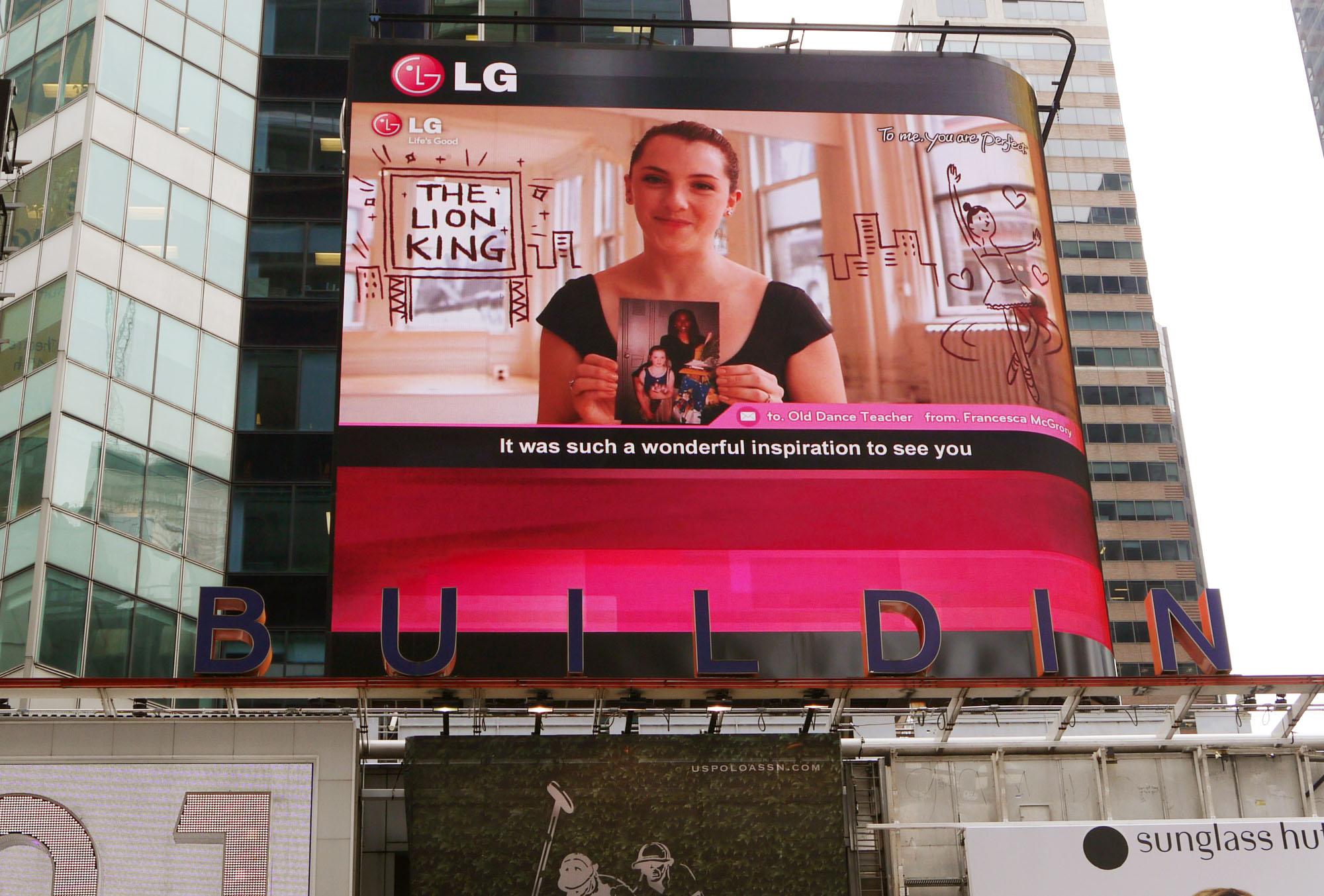 LG NY Times Square 03