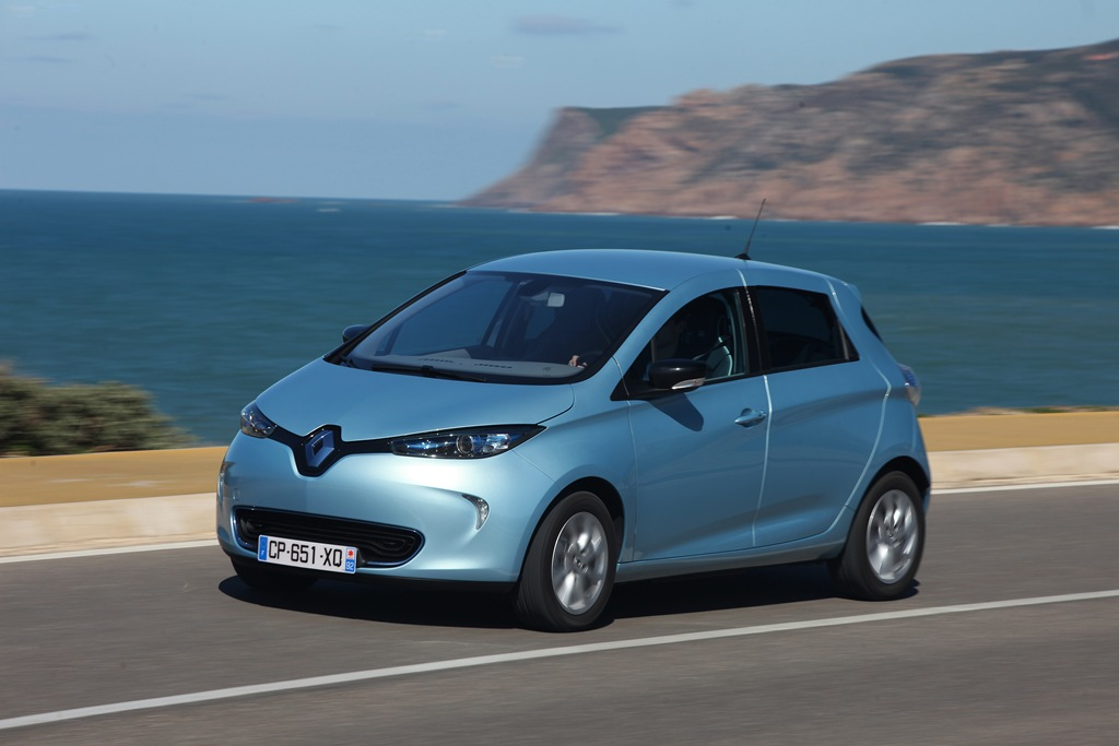 2013_03_Renault-ZOE-blue-by-the-sea