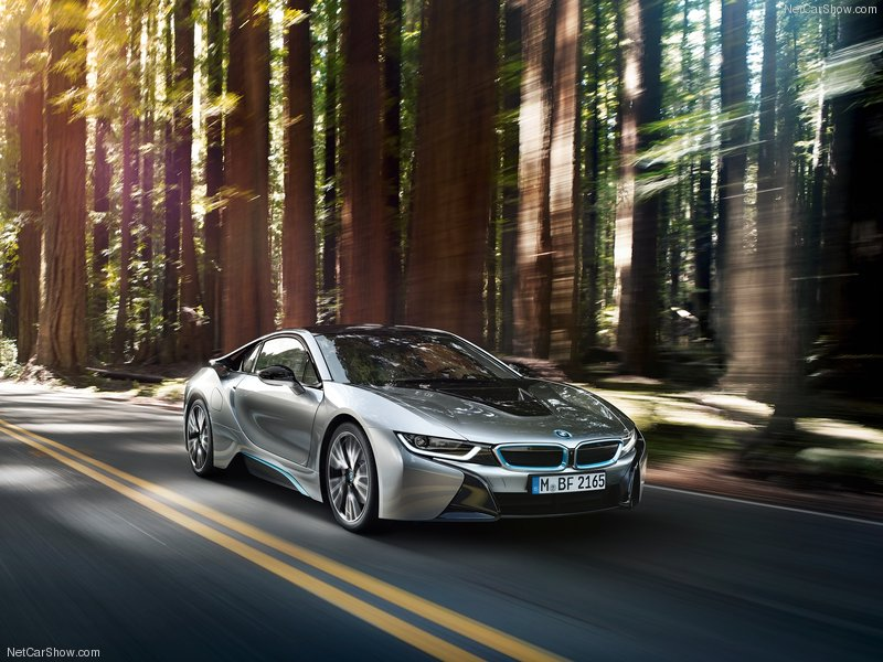 BMW-i8_2015_800x600_wallpaper_01