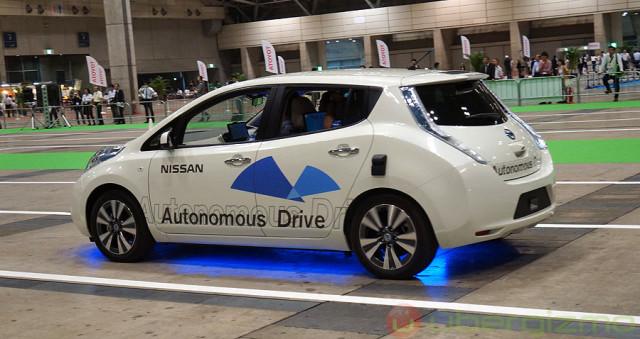 nissan-autonomous-drive-ceatec-2013-640x339