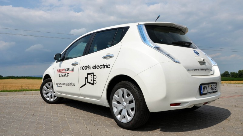 nissan_leaf_eu_a7_medium