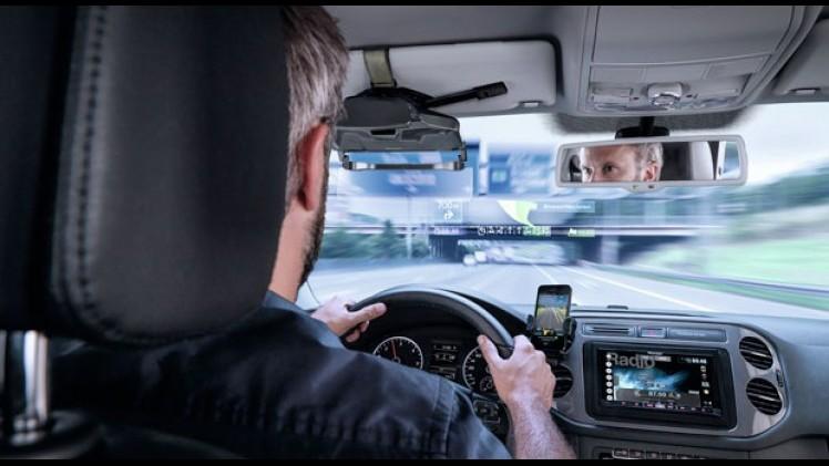 Pioneer-NavGate-HUD-headup-display-aan-zonneklep-52d6d00081522