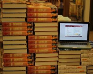 E-tankönyvekre válthatnak a lengyel egyetemek