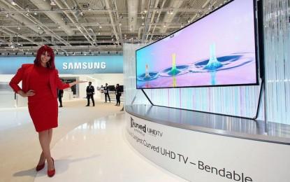 Az ívekből sosem elég: 17 új, ívelt LED TV érkezett a Samsungtól