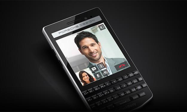 """Itt a BlackBerry és Porsche Design új """"prémium"""" telefonja"""