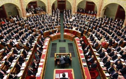Az új adószabályokról kezdenek vitát az országgyűlésen