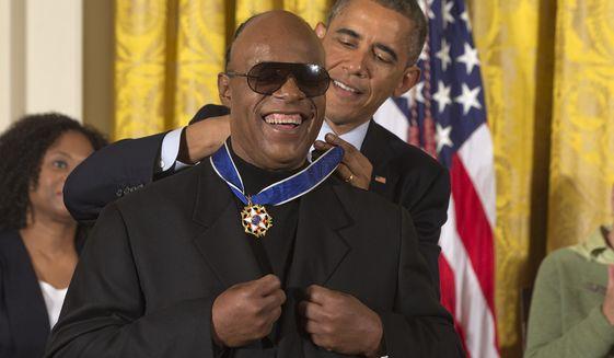 obama-medal-of-freedomjpeg-028ba_c0-155-3718-2322_s561x327