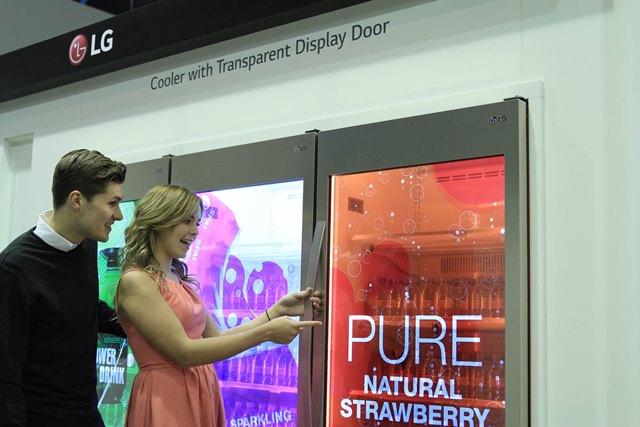 LG Transparent Display Dooler Door 02_ISE 2015