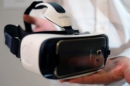 Új virtuális valóság szemüveget kapott a Galaxy S6