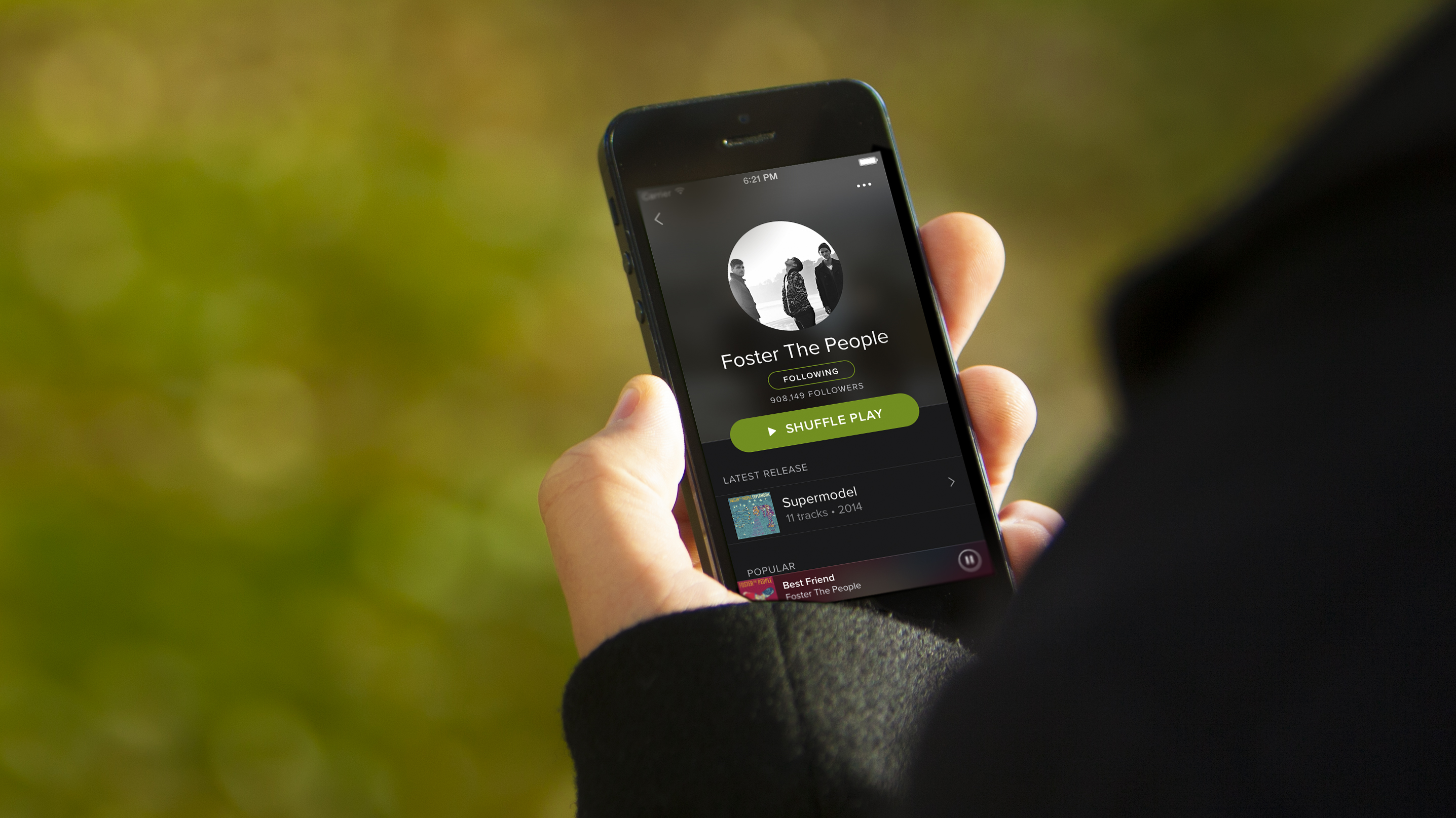 spotify-newlook-iphone-artist-outdoor