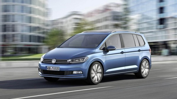 volkswagen_touran_2015_a2_medium