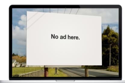 Bajban vannak az ingyenes weboldalak?
