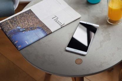 Gyönyörű mobilokat mutatott be az Oppo