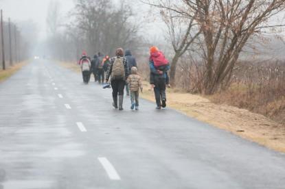 Naponta több száz illegális menekült érkezik Magyarországra