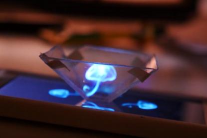 Így készíthetsz hologram kijelzőt mobilodból 10 perc alatt