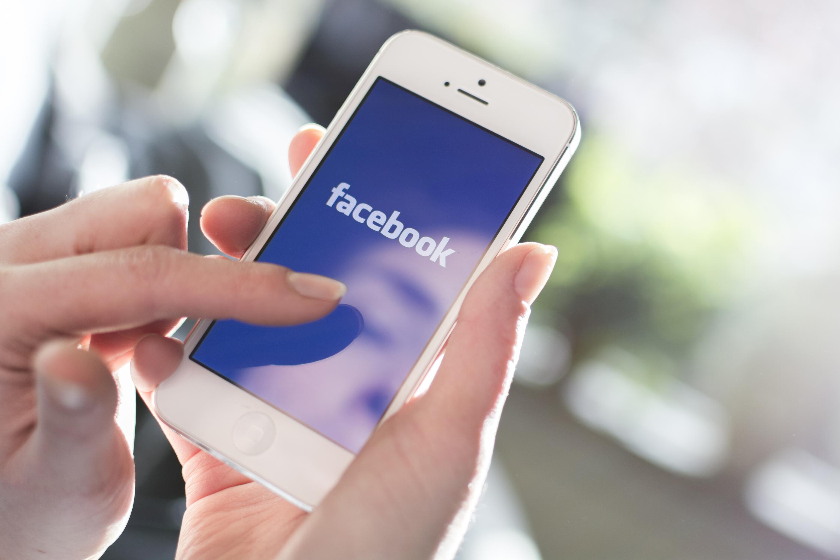 Értesítést küldene a Facebook a fontosabb hírekről
