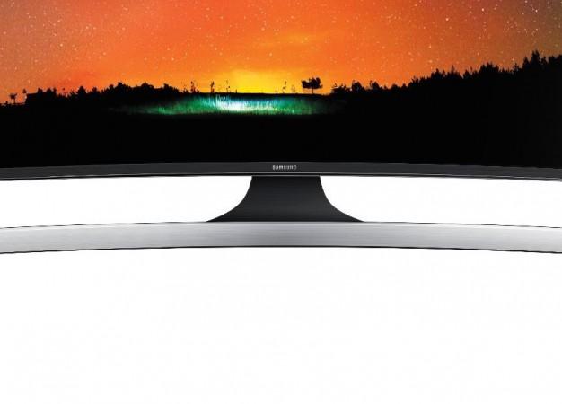 Teszt: Samsung ívelt SUHD TV – a ház mozija