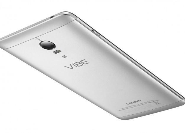 Másik mobilt is feltölthetünk a Lenovo P1 és P1m akkujáról