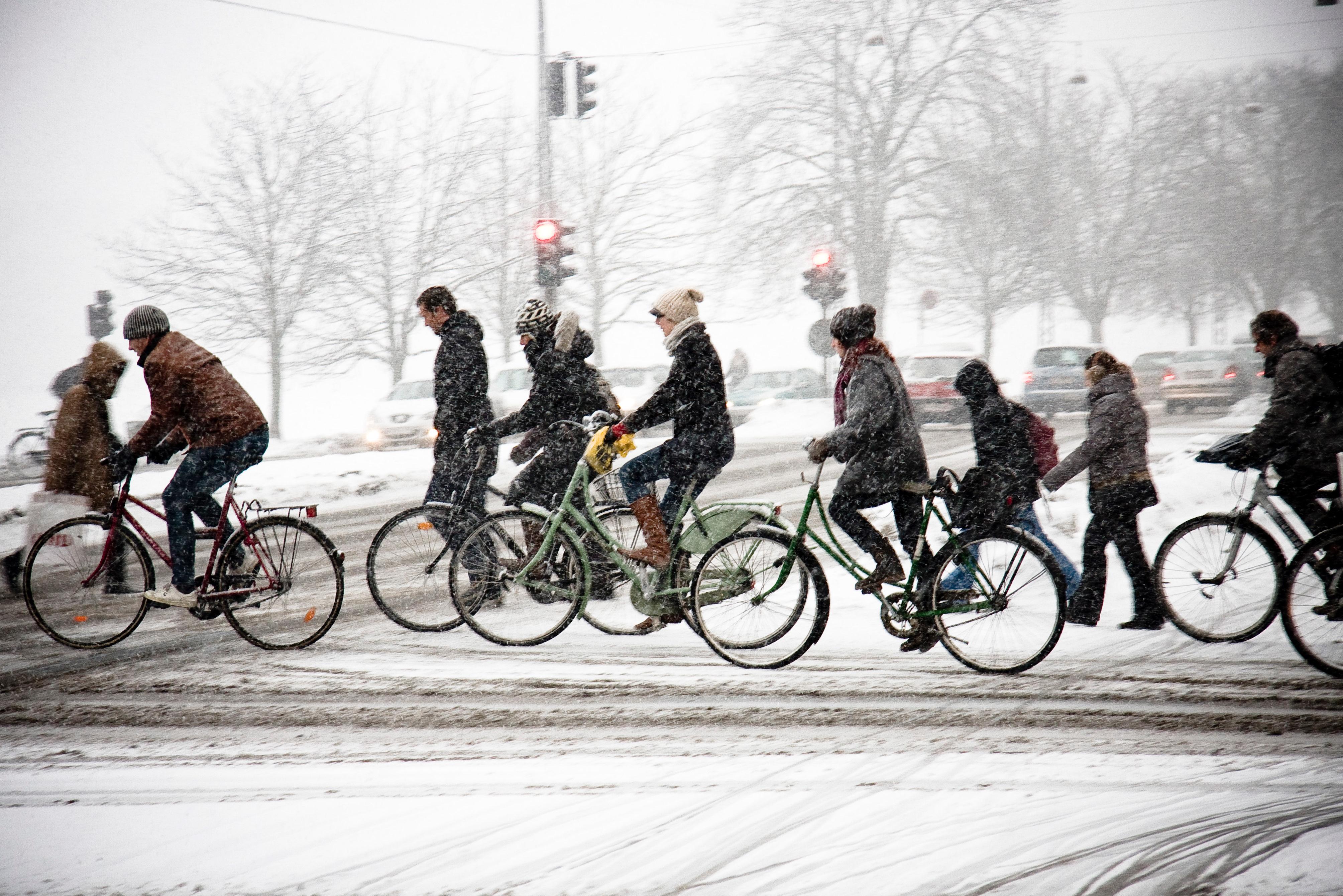 2601205_teli_biciklizes_moped