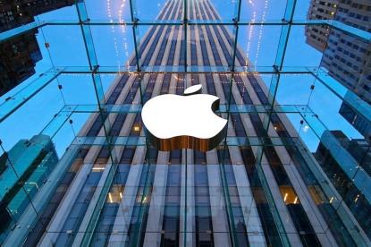 Elképesztő összegre büntette az EU az Apple-t