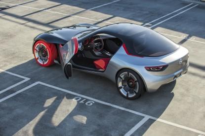 Gyönyörű múltidézés az Opel GT tanulmánya