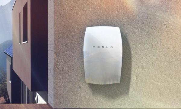 tesla-powerwall-battery-mounted-outside