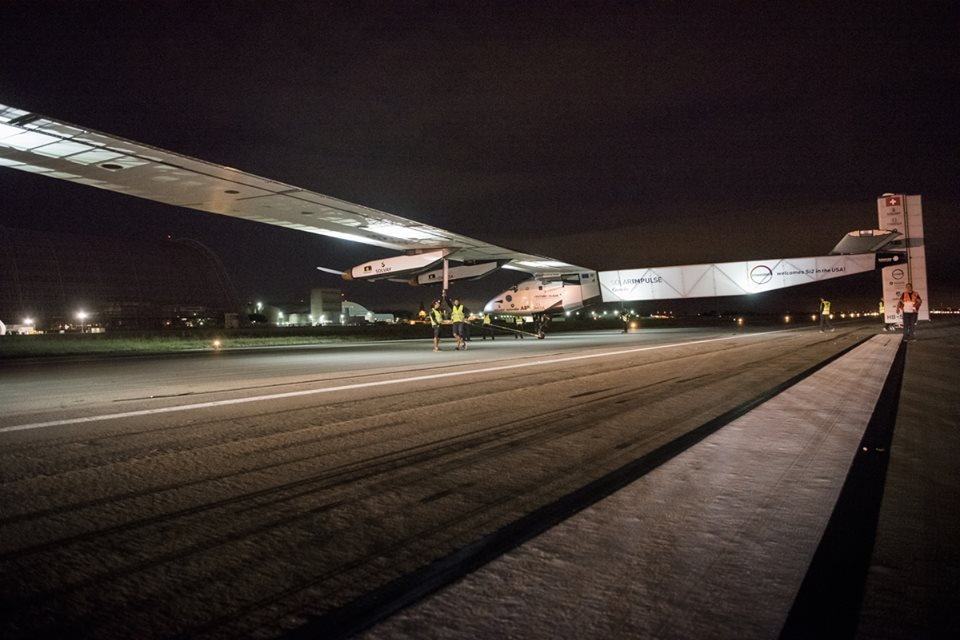 Solar_Impulse_ready_to_take_off