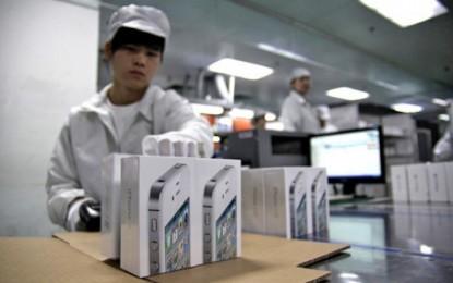 Emberek helyett inkább robotok szerelik az iPhone-okat