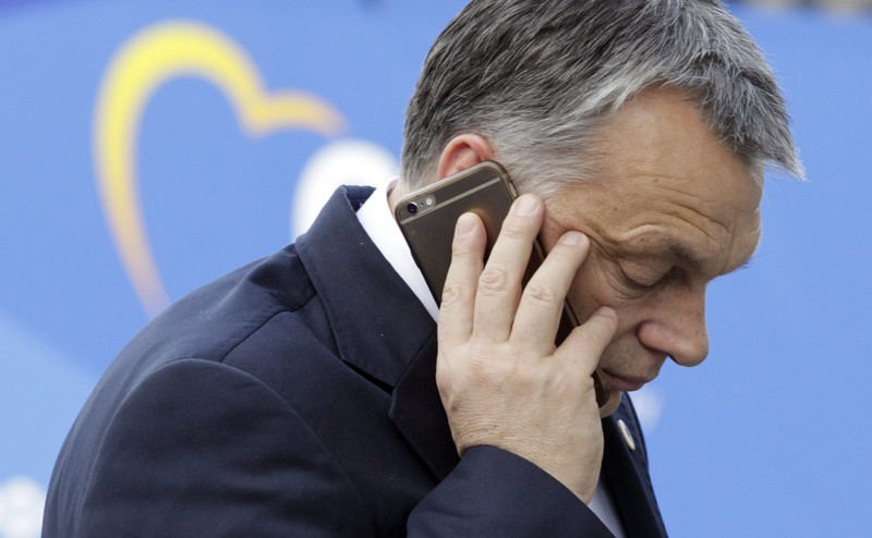 Brüsszel, 2015. december 17. Orbán Viktor miniszterelnök a konzervatív Európai Néppárt, az EPP csúcsértekezletére érkezik, amelyet az Európai Unió brüsszeli csúcstalálkozója elõtt tartanak 2015. december 17-én. (MTI/AP/Francois Walschaerts)