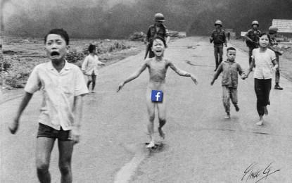 Gyermekpornónak nézte a világhírű fotót a Facebook