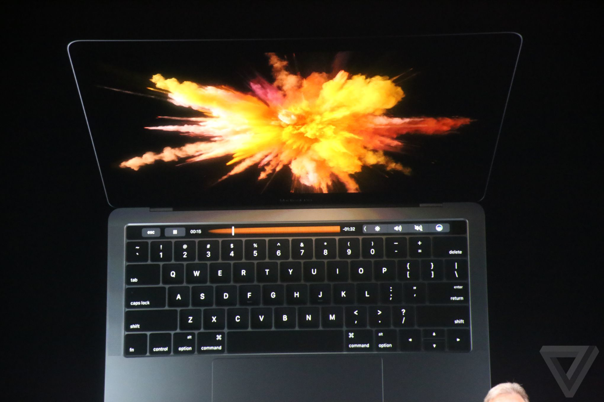 apple-macbook-event-20161027-8025