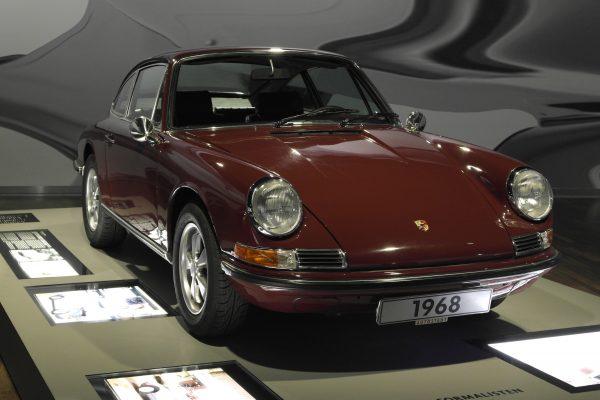 A 911-es emelte a nagy gyártók közé a Porsche-t.