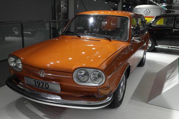 1968 és 74 között kétajtós kombi és négyajtós szedán verzióban gyártották a Typ4-et.
