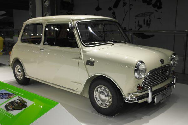 Egy eredeti Mini Morris sem maradt ki a gyűjteményből.