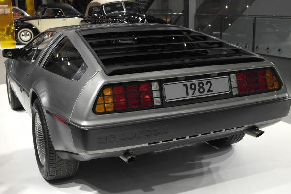 Alig 8500 példány készült a DeLorean Motor Company egyetlen típusával, a Vissza a jövőbe trilógia által ismerté tett DMC-12-ből.