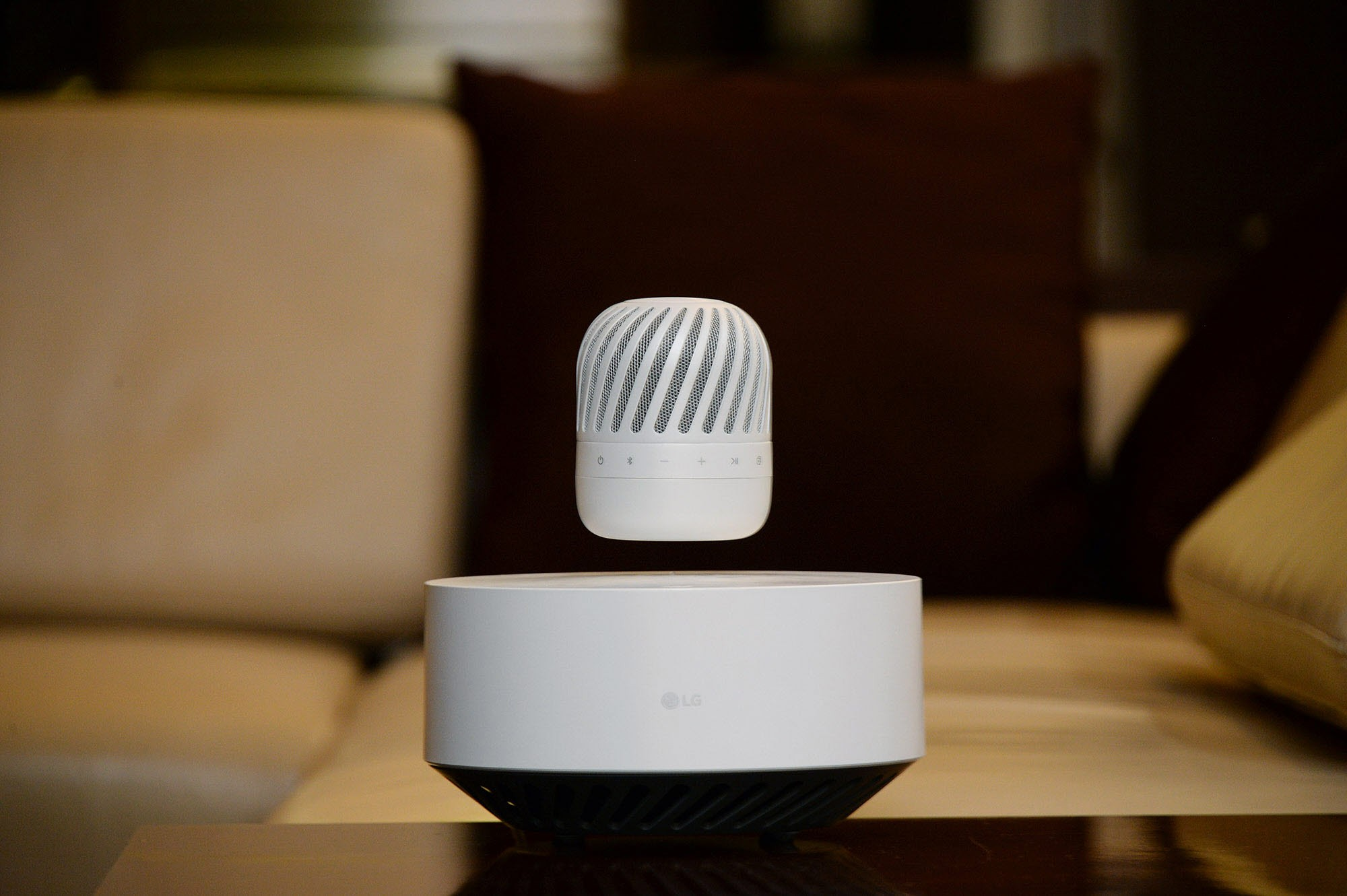 lg-levitating-portable-speaker_1