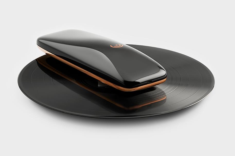 yves-behar-smart-turntable-432-1