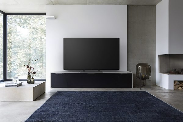 panasonic-tv-ez950-room