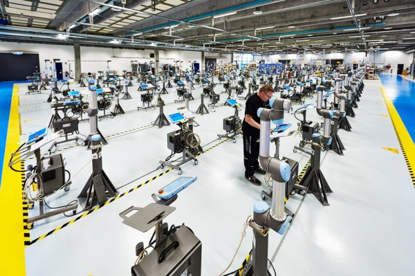 universal-robots_-produktion_ur_04